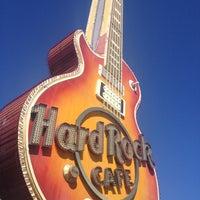 Photo taken at Hard Rock Cafe Las Vegas at Hard Rock Hotel by Eric 黄先魁 H. on 10/7/2012