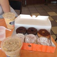 Photo taken at Dunkin Donuts by Evandro S. on 8/22/2013