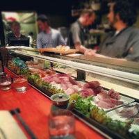 Photo prise au Akiko's Restaurant & Sushi Bar par James E. le10/6/2012