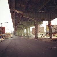 Das Foto wurde bei Hamilton Avenue Bridge von Frederic B. am 7/12/2015 aufgenommen