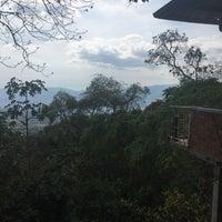 Photo taken at Ecoparque Macadamia Bosque Aventura by Hernan D. on 10/7/2015