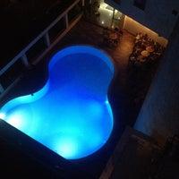 8/20/2014 tarihinde Ebru K.ziyaretçi tarafından Kalif Hotel'de çekilen fotoğraf