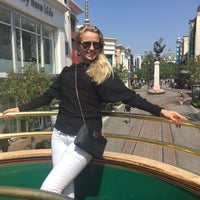 Photo taken at The Trolley At The Grove by Юлия Д. on 5/30/2017
