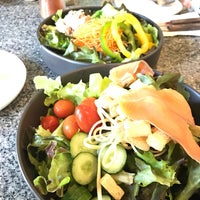 Photo taken at Fresh Boxx Salad Café by Song A. on 8/31/2017