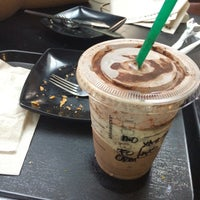 Photo taken at Starbucks by Fakhruddin A. on 5/24/2016