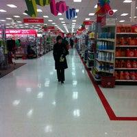 Das Foto wurde bei Target von Ashley M. am 12/23/2012 aufgenommen