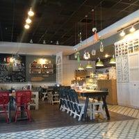 Снимок сделан в Bisquitte пользователем Esranur G. 10/9/2012