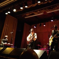 Photo taken at The Beachland Ballroom & Tavern by John H. on 3/27/2013