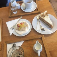 Photo taken at Fabrica de Café by Darina K. on 10/24/2017