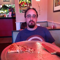 Photo taken at Petey's NY Pizza by Eduardo G. on 5/29/2013