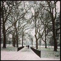 Foto tomada en Hyde Park Corner por Alex S. el 1/18/2013