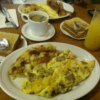 Photo taken at Murry & Paul's Restaurant by foodie h. on 4/21/2014