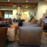 4/25/2013에 Aliza S.님이 Alaska Lounge에서 찍은 사진