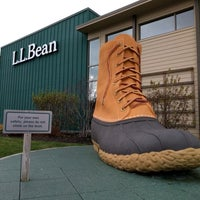 Photo taken at L.L. Bean by Taylor B. on 11/27/2016