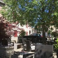 Photo taken at Caveau de Puligny-Montrachet by Michel P. on 7/10/2016