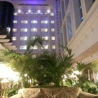 11/29/2012 tarihinde Эльбрус И.ziyaretçi tarafından Lobby Bar'de çekilen fotoğraf