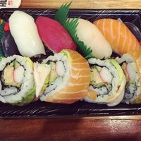 Photo taken at Sushi Hub by Yulianto Oen Wheatley &. on 1/22/2016