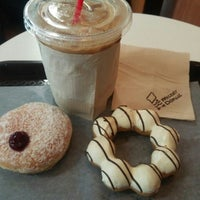 Photo taken at Mister Donut by : P on 11/27/2015