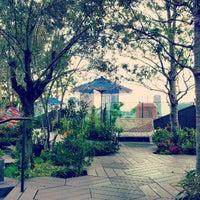 10/31/2012にAimi H.がStarbucks Coffeeで撮った写真