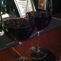 Снимок сделан в 8th Line Pub пользователем Mary U. 11/17/2012