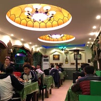 Photo taken at Crescent Moon Uygur Restaurant by Sergio V. on 3/9/2017