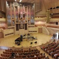 Снимок сделан в Московский международный дом музыки (ММДМ) пользователем Maria P. 4/30/2013