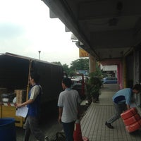 Photo taken at Chi-Tak Electrical (SEL) Sdn Bhd by Firus on 3/26/2013