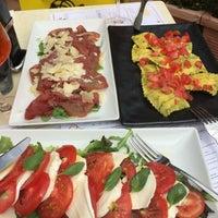 Photo taken at Cafe Mediceo by Katya K. on 7/21/2016