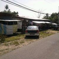 รูปภาพถ่ายที่ Kedai Perabot Apollo โดย Peja I. เมื่อ 10/13/2012
