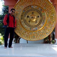 Photo taken at Gong Perdamaian Dunia by Faisal F. on 7/30/2014