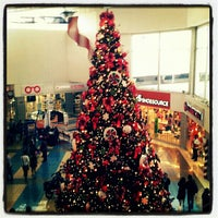 Photo taken at Mall Multicentro by FRAN on 12/2/2012