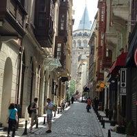 6/15/2013 tarihinde KORAY K.ziyaretçi tarafından Nikol Galata'de çekilen fotoğraf