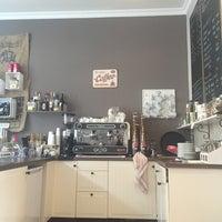 Das Foto wurde bei Wohnzimmer. Das Café von Michael am 8/12/2016 aufgenommen