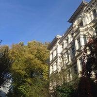 Das Foto wurde bei Riehmers Hofgarten von Michael am 11/2/2014 aufgenommen