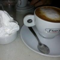 Foto tirada no(a) Fran's Café por Su O. em 10/1/2012