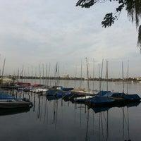 Das Foto wurde bei Alster Jogging von Kateryna Z. am 9/28/2014 aufgenommen