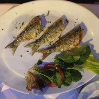 Photo prise au Akıntı Burnu Restaurant par ___SİNEM H. le5/30/2013