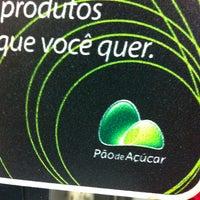 รูปภาพถ่ายที่ Pão de Açúcar โดย Phill M. เมื่อ 6/3/2013