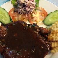 Photo taken at Restoran Suria Seafood, Keramat Wangsa by Rozita on 9/14/2015