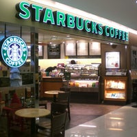 Photo taken at Starbucks by Rodrigo T. on 12/29/2012