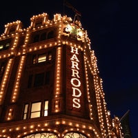 Photo taken at Harrods by Chanon P. on 3/29/2013
