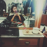 Photo taken at JUNO HAIR by Ri Y. on 10/15/2014