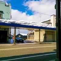 Photo taken at 高校入口 バス停留所 by hinayui07 on 2/24/2014
