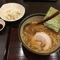 Photo taken at 手打ちらーめん まるとく by tono on 10/19/2016