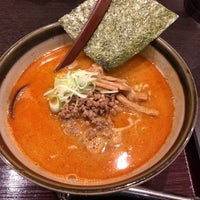 Photo taken at 手打ちらーめん まるとく by tono on 3/24/2018