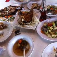 Photo taken at Restoran Pringsewu by 'Oya' Gloria V. on 12/29/2013