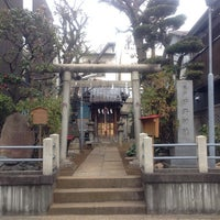 Photo taken at 亀戸石井神社 by 葵 紅. on 1/25/2014