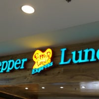 Foto tomada en Pepper Lunch Express  por Jay-r L. el 1/6/2013