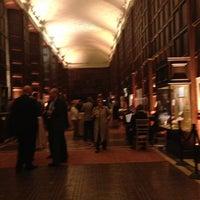 3/20/2013 tarihinde Rahim B.ziyaretçi tarafından Folger Shakespeare Library'de çekilen fotoğraf