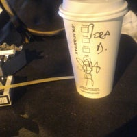 Foto scattata a Starbucks da Bora T. il 10/2/2018